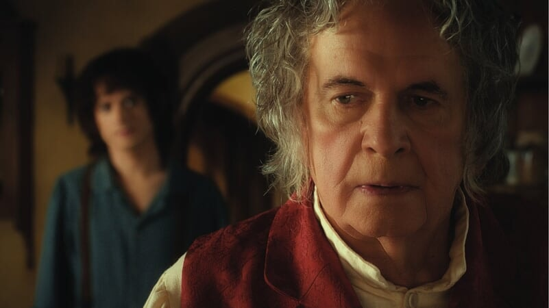 Bilbo con Frodo en El Hobbit: Un Viaje Inesperado