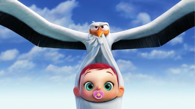 Junior Volando Cargando Un Bebé Cigüeñas: La Historia Que No Te Contaron