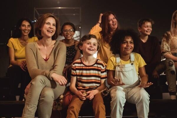 Beth, Harley y Zoe en el show de Banana Splits en Banana Splits