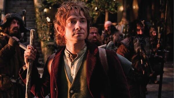 Bilbo con los enanos en Rivendel en El Hobbit: Un Viaje Inesperado