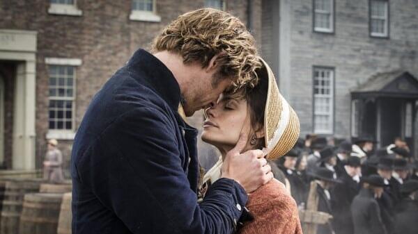 Owen besando a Peggy en En el Corazón del Mar