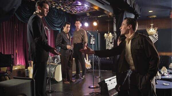 Frankie, Bob, Tommy y Nick en el escenario en Jersey Boys: Persiguiendo La Música